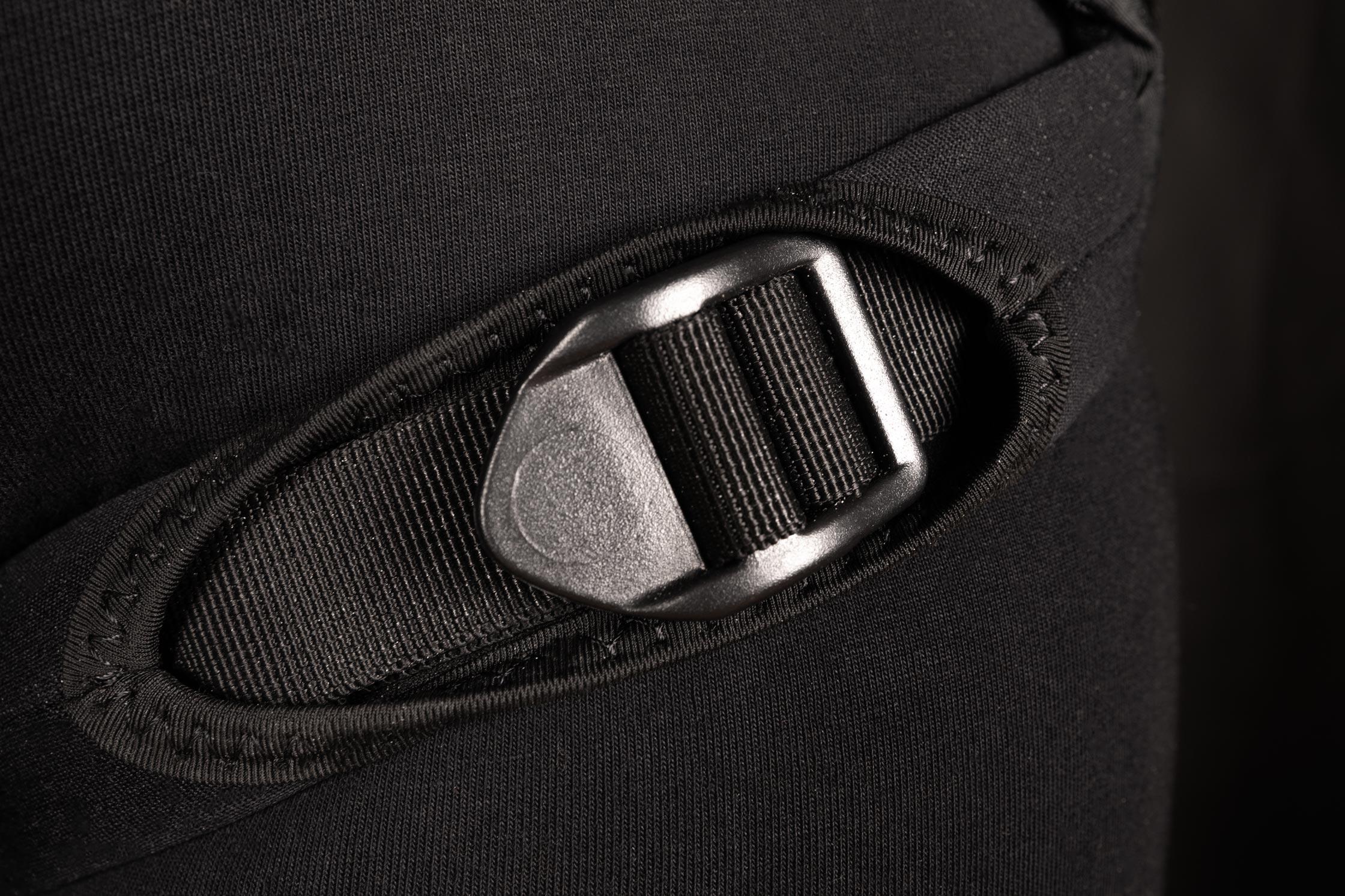 AK_EtherSeat-Harness_Adjustable-Leg-Straps