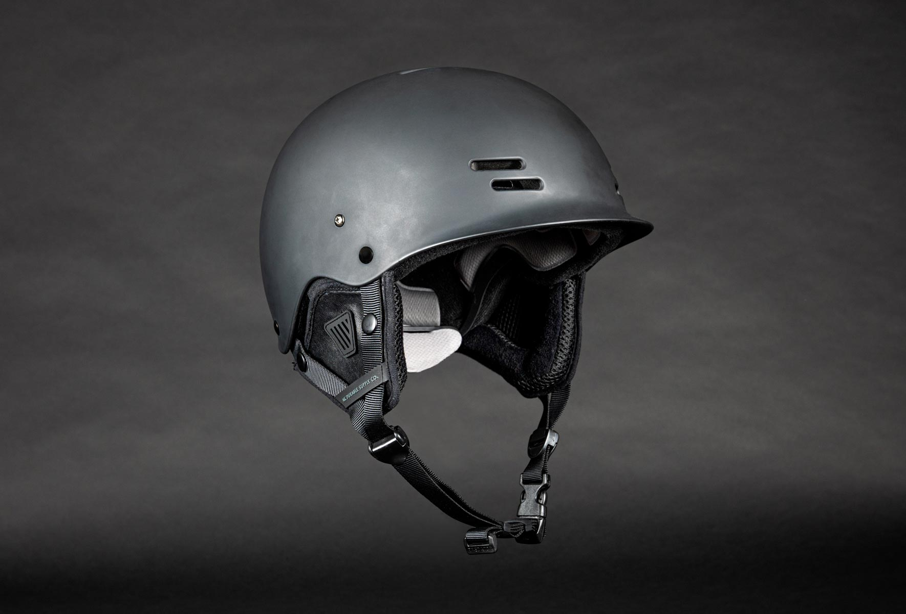 AK_Riot-Helmet_Black-3